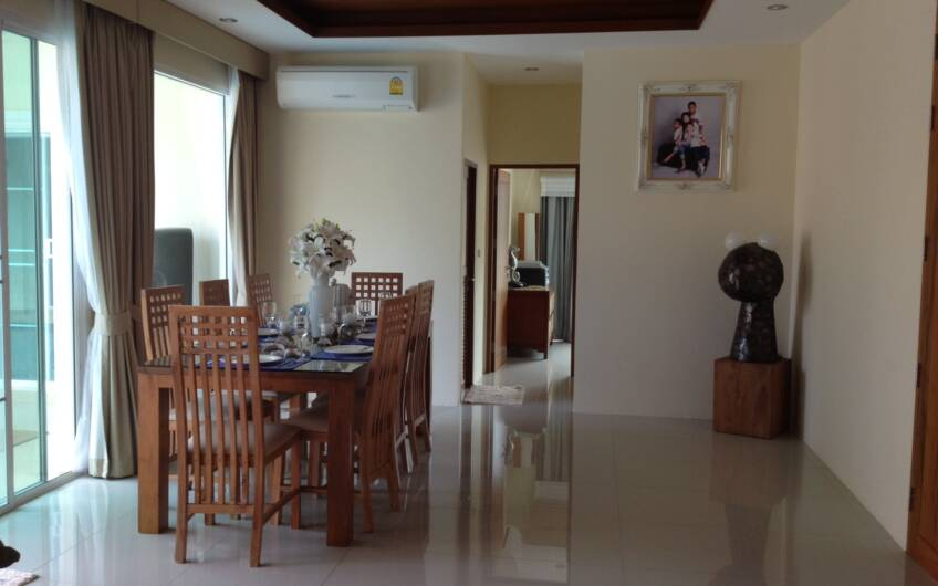 Attractive 4-Bedroom Pool Villa on Chalong Hill