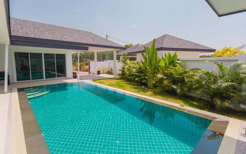 Modern 4 Bedroom Pool Villa near Chalong Circle