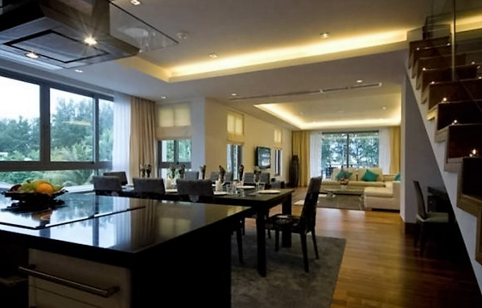 Pearl of Naithon – Luxury 4-Bedroom Duplex Penthouse with Sea Views