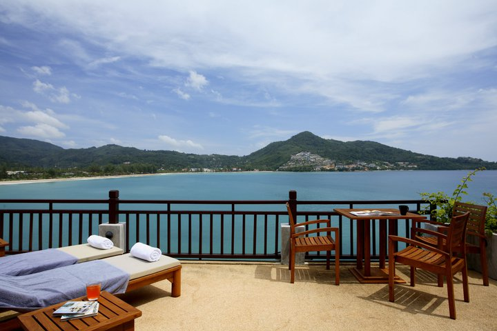 Baan Lom Talay- 6 Bedroom Seafront Villa in Kamala