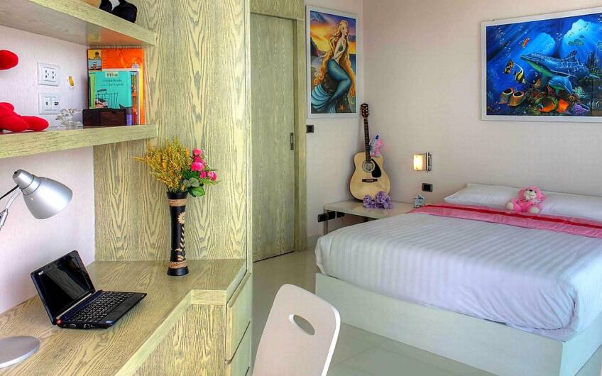 Villa Neptune – Modern 6-Bedroom Designer Villa on Chalong Hill