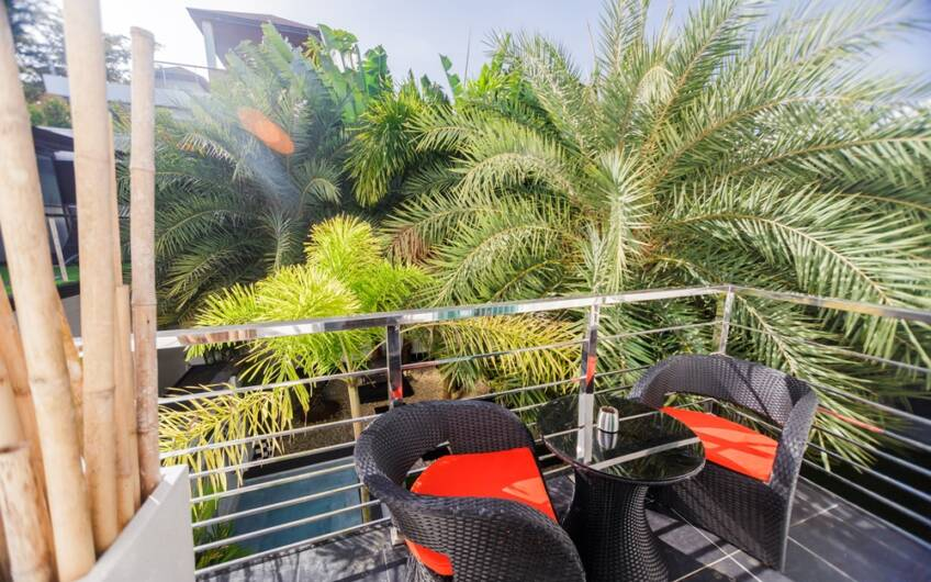 The Club Residence – 7-Bedroom Designer Pool Villa with Sea View Terrace in Saiyuan
