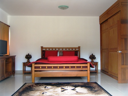 3-Bedroom Tropical Pool Villa in Chalong