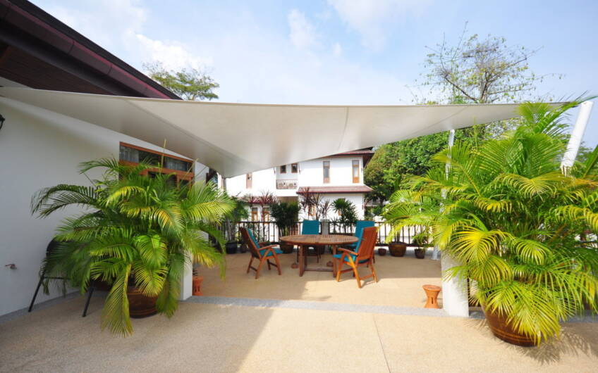 Baan Prang Tong – Gorgeous 3-Bedroom Pool Villa in Central Location