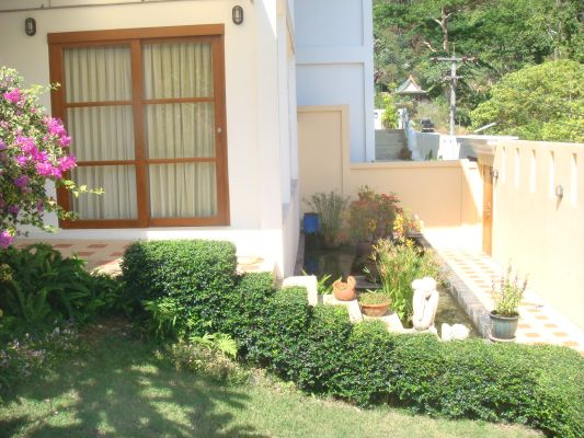 Eagles Nest – Awesome 4-Bedroom Pool Villa in Kathu