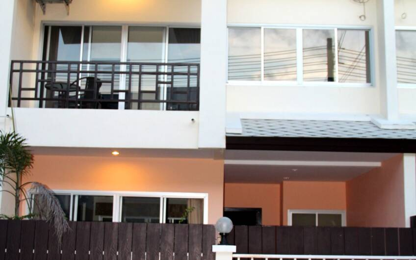 Phuket Grandville – 3-Bedroom Town Home near Laguna