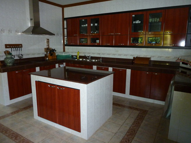 Large 3-Bedroom Family Villa in Chalong