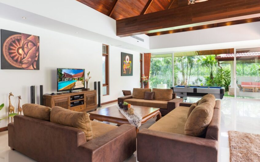Loch Palm – Modern 4-Bedroom Luxury Villa Overlooking the Golf Course
