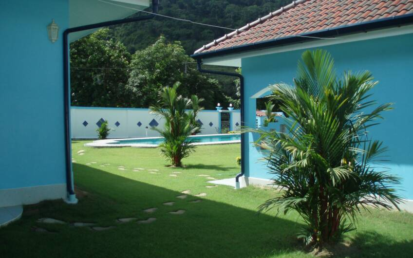 Residential Pool Villa with 5 Guest Apartments in Chalong