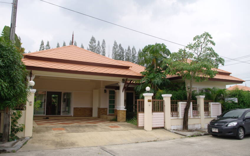 Large 4 Bedroom Corner House in Cherngtalay