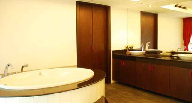 Sky Dream – Trendy 2-Bedroom Apartment in Phuket Town