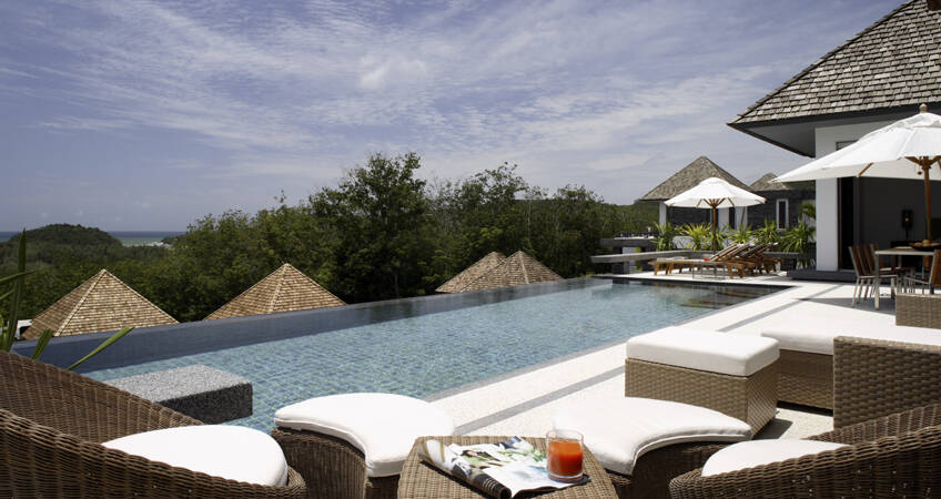 High-End Pool Villa Overlooking Layan