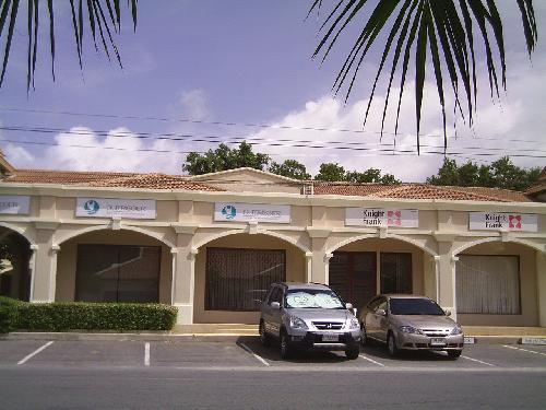 Retail Space / Commercial Offices near Laguna