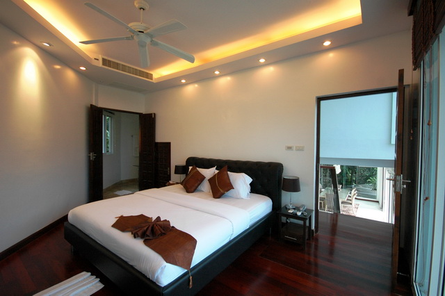 The White House – Stylish Pool Villa overlooking Patong Bay