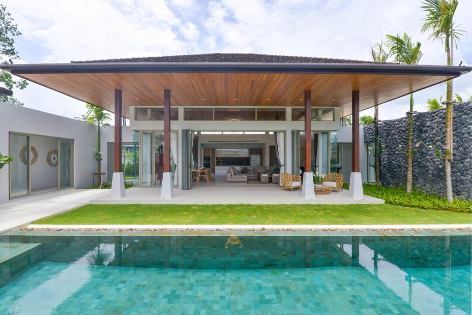 Botanica Luxury - Balinese Style 4-Bedroom Pool Villa in Layan