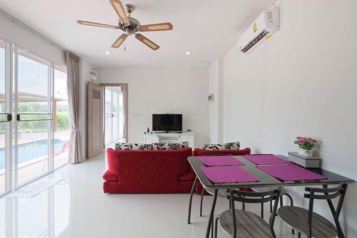 Pasak – Bright & Spacious 2-Bedroom Pool Villa for Rent