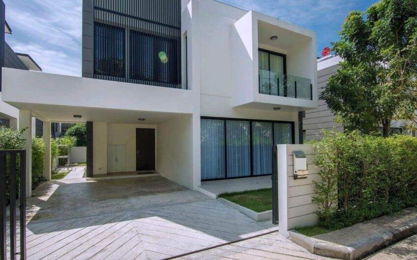 Luxury 4-Bedroom Villa with Private Pool in Laguna Park Phuket