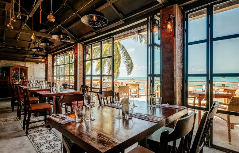 Sunset View Oceanfront Restaurant in Kalim / Patong for Lease